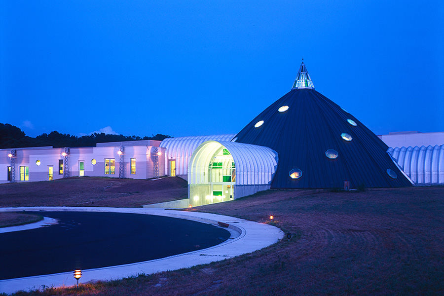 Maryland school built with sand storage dome
