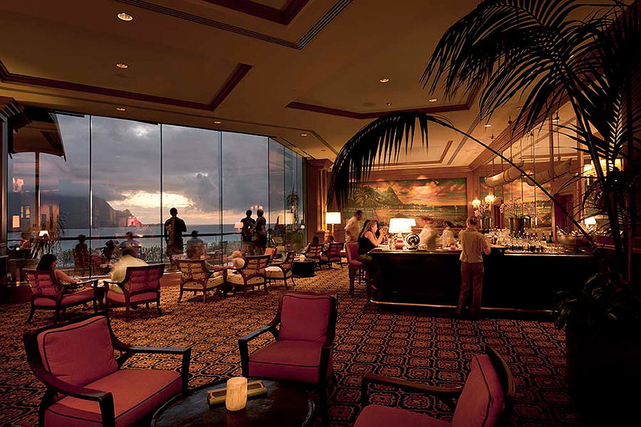 St Regis Hotel bar, Princeville, Hawaii, Group 70 International