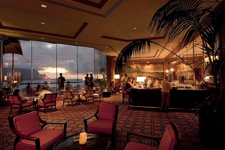 St Regis Hotel bar, Princeville, Hawaii, Group 70 International